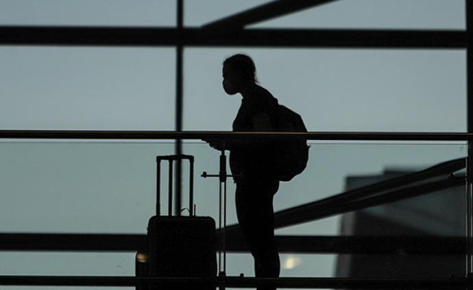 中使馆:对在美处境困难留学生搭临时航班回国意愿做摸底调查
