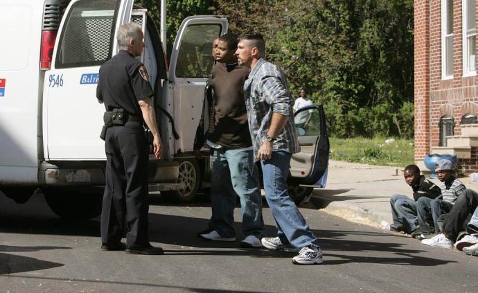 義海情天:費城第六街區黑人小伙們的在逃人生