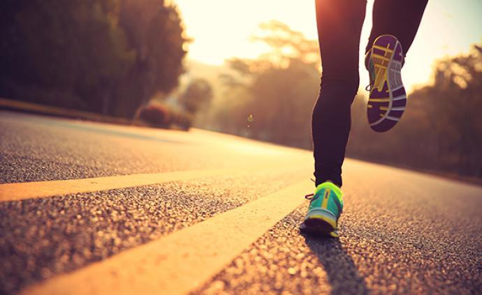 新冠ballbet体育平台下怎么跑步?这是四位美国ICU专家的临床忠告