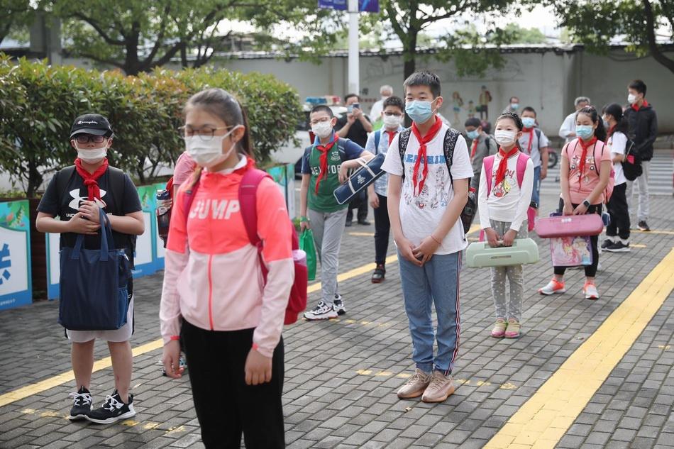 """上海警方启动""""护校模式""""。 黄浦警方供图"""