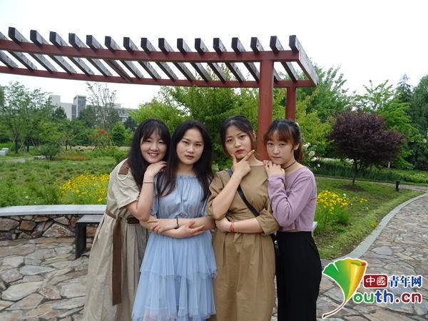 寝室成员,左起刘爽欣、方静雯、汪楚卉、俞杭艳。受访者供图