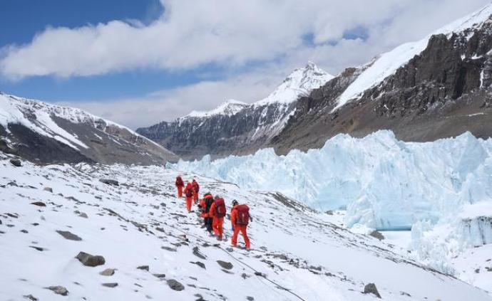 登峰测极|因天气原因,珠峰高程测量登山队决定回撤休整