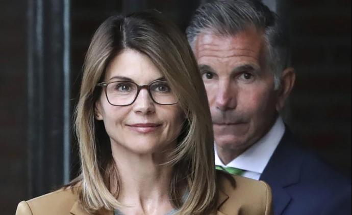 美大学舞弊案:好莱坞明星夫妇认罪,面临2个月和5个月刑期