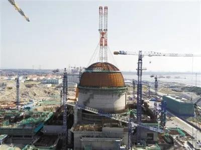 2018年3月21日,福清核电6号机组反应堆厂房穹顶吊装完成。中核集团供图