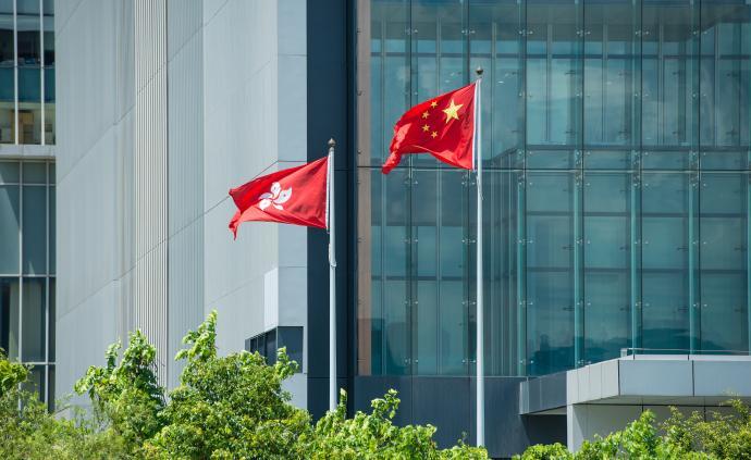 """港区代表委员谈涉港决定草案:维护""""一国两制""""下的美丽香港"""