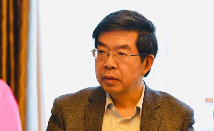 """黄震委员:建议取消成品油""""地板价""""机制"""