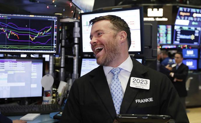 美股集体收高道指涨逾520点,瑞幸咖啡大涨53%
