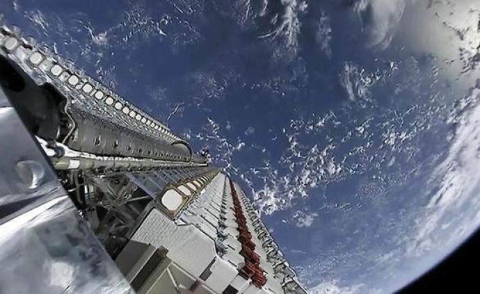 """美陸軍同SpaceX簽協議,評估""""星鏈""""衛星軍事用途"""