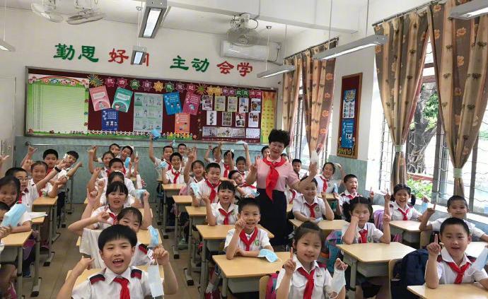 廣州多區中小學校內師生可摘口罩,服務人員仍需佩戴