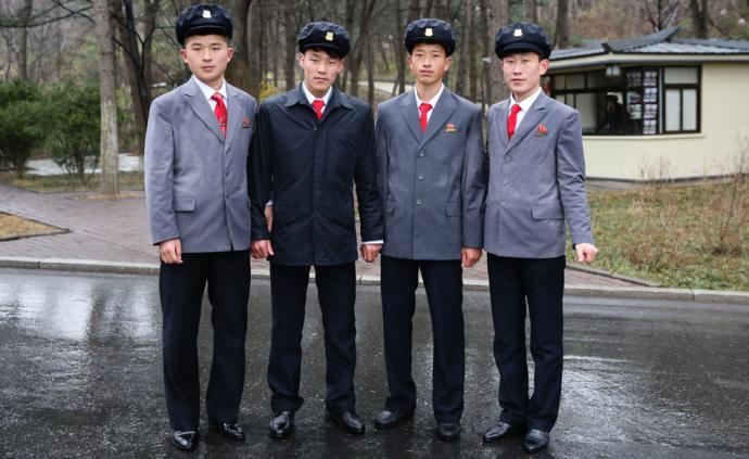 朝鲜游记|墙上的像,露台上的花