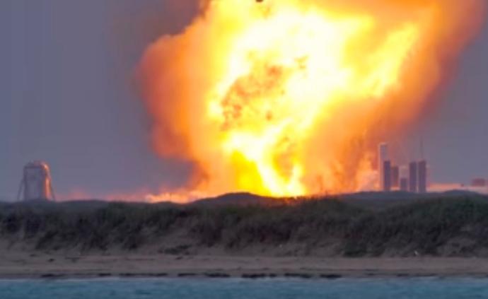 """马斯克""""星际飞船""""原型机在得州测试时爆炸"""
