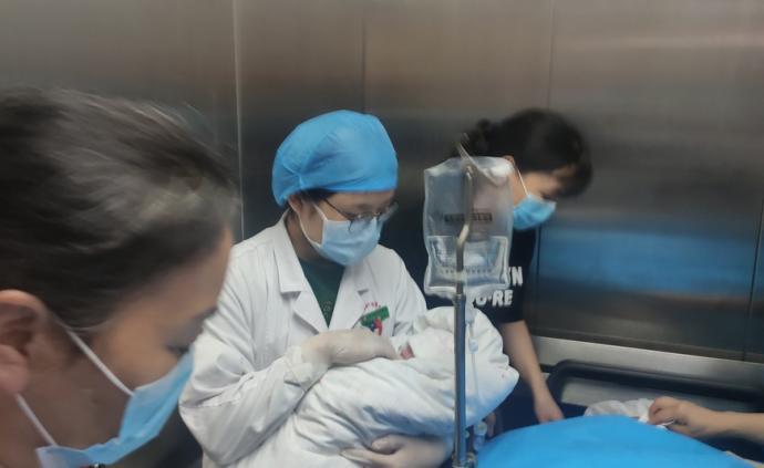 抱薪者|六一兒童節,抗疫烈士彭銀華的孩子在武漢出生