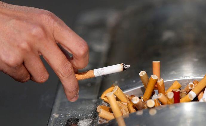 調查:超一成高中生在學校幾乎每天看到教師吸煙