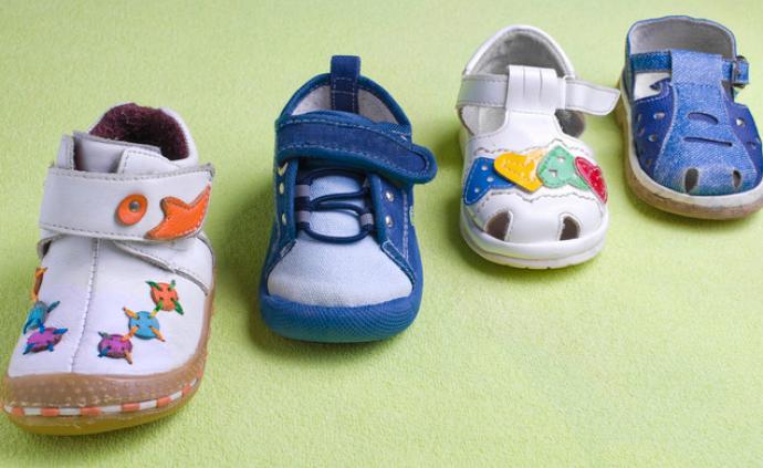 上海市消保委:部分童鞋藏安全隱患,不乏200多元品牌產品