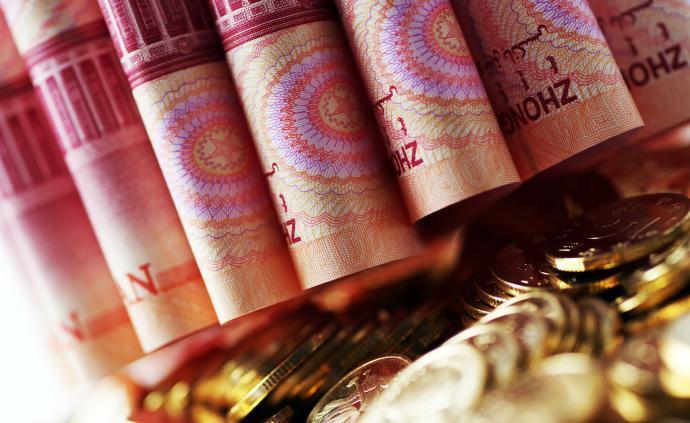 央行等:銀行要把信貸資源從偏好房地產等轉移到中小微企業