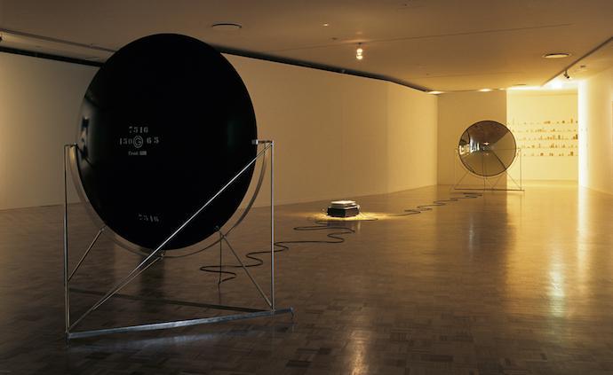 """在一場""""未搭建完""""的北歐當代藝術展中,感受空間與聲音"""