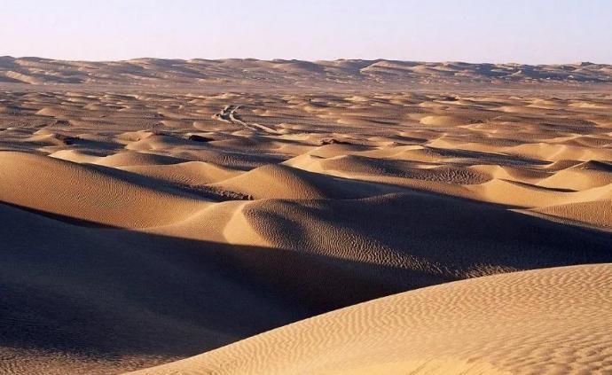 """中國科學院大氣物理研究所:塔克拉瑪干沙漠""""變綠""""的真相"""