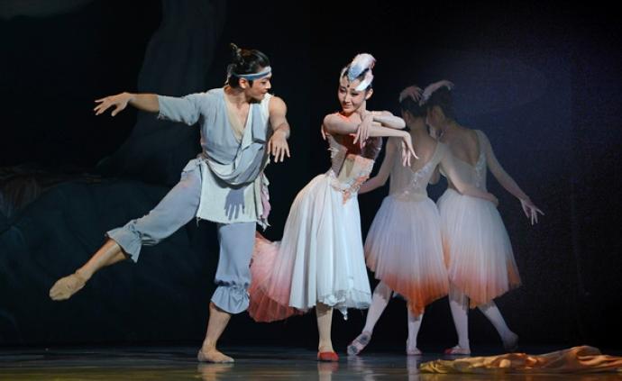 舞剧《朱鹮》重现舞台,上海首位援鄂医生钟鸣来到了现场