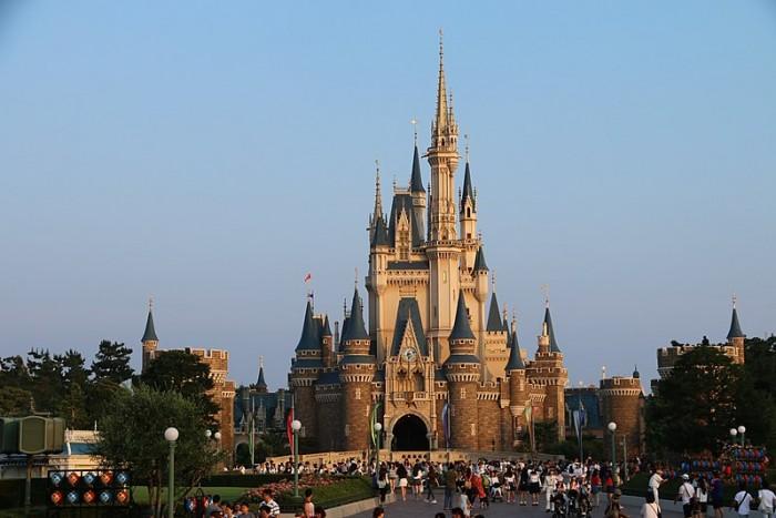 东京迪士尼第五次延迟闭园时间。