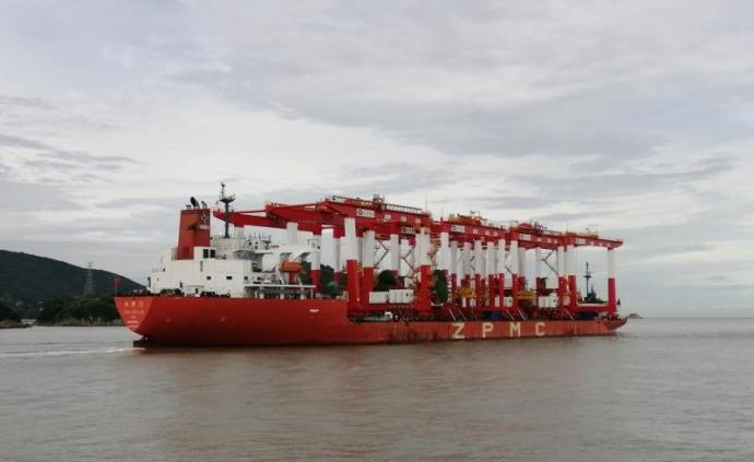首批轨道吊进港,未来洋山港四期码头年装卸增至500万标箱