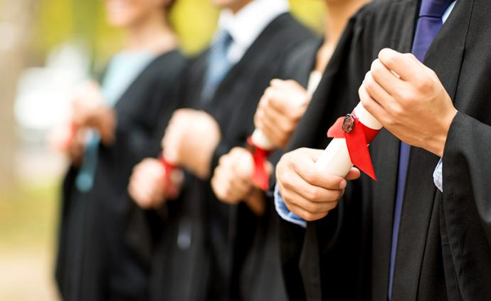天津一高校学位证与英语四级挂钩?回应:属实,已有新措施