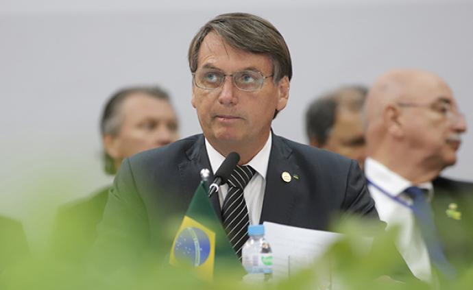 """博索纳罗称""""死亡是每个人的命运"""",巴西新冠病亡数创纪录"""
