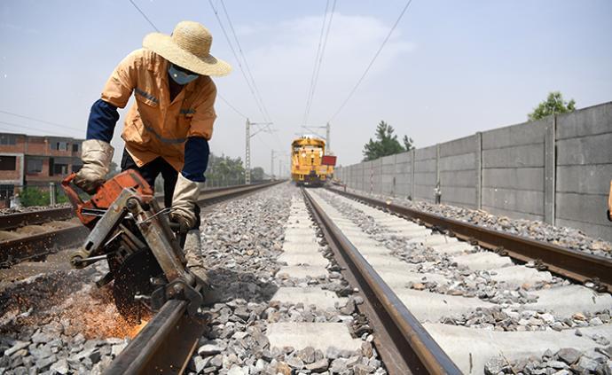 国家发改委同意国铁集团发行铁路建设债券2100亿元