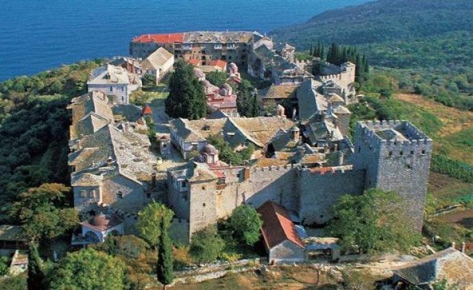 从米兰敕令到君士坦丁的陷落:基督教发展中的希腊路线