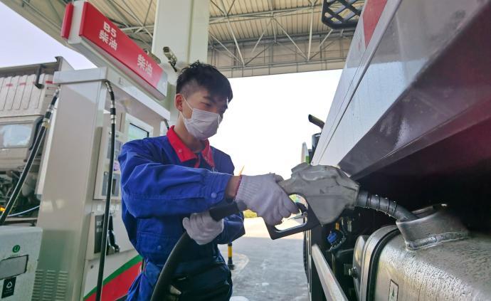 """中国石化:上海石油分公司旗下加油站已消化""""地沟油""""3万吨"""