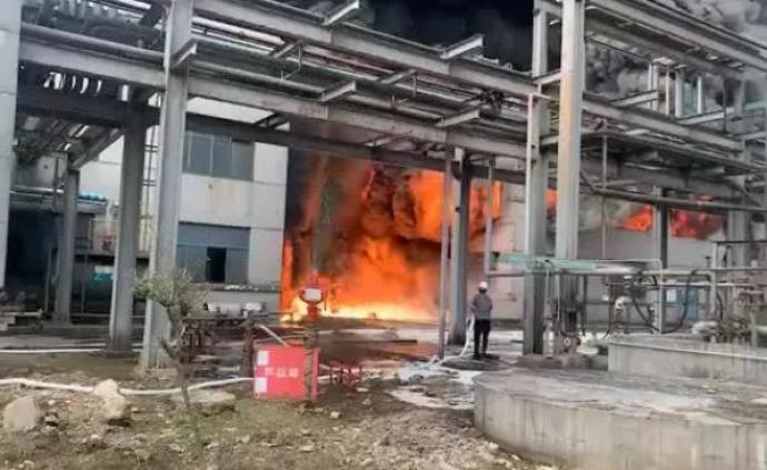 浙江通報一公司物料倉庫硅油、硅樹脂起火:無人員被困、傷亡