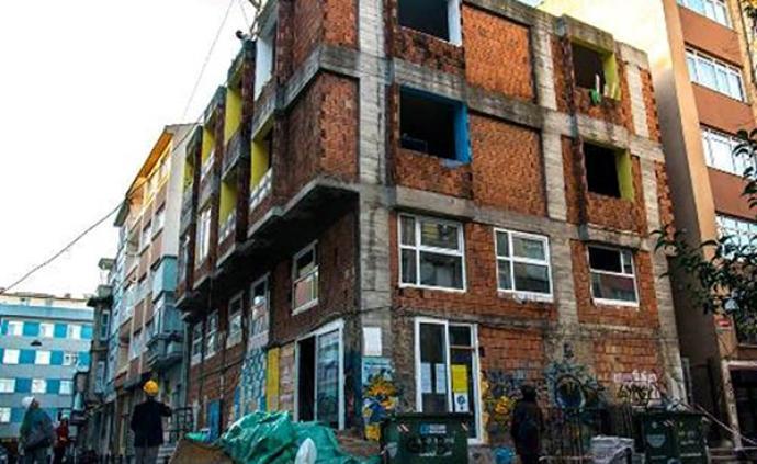 占屋史 伊斯坦布尔:包容性公共空间的短暂狂欢