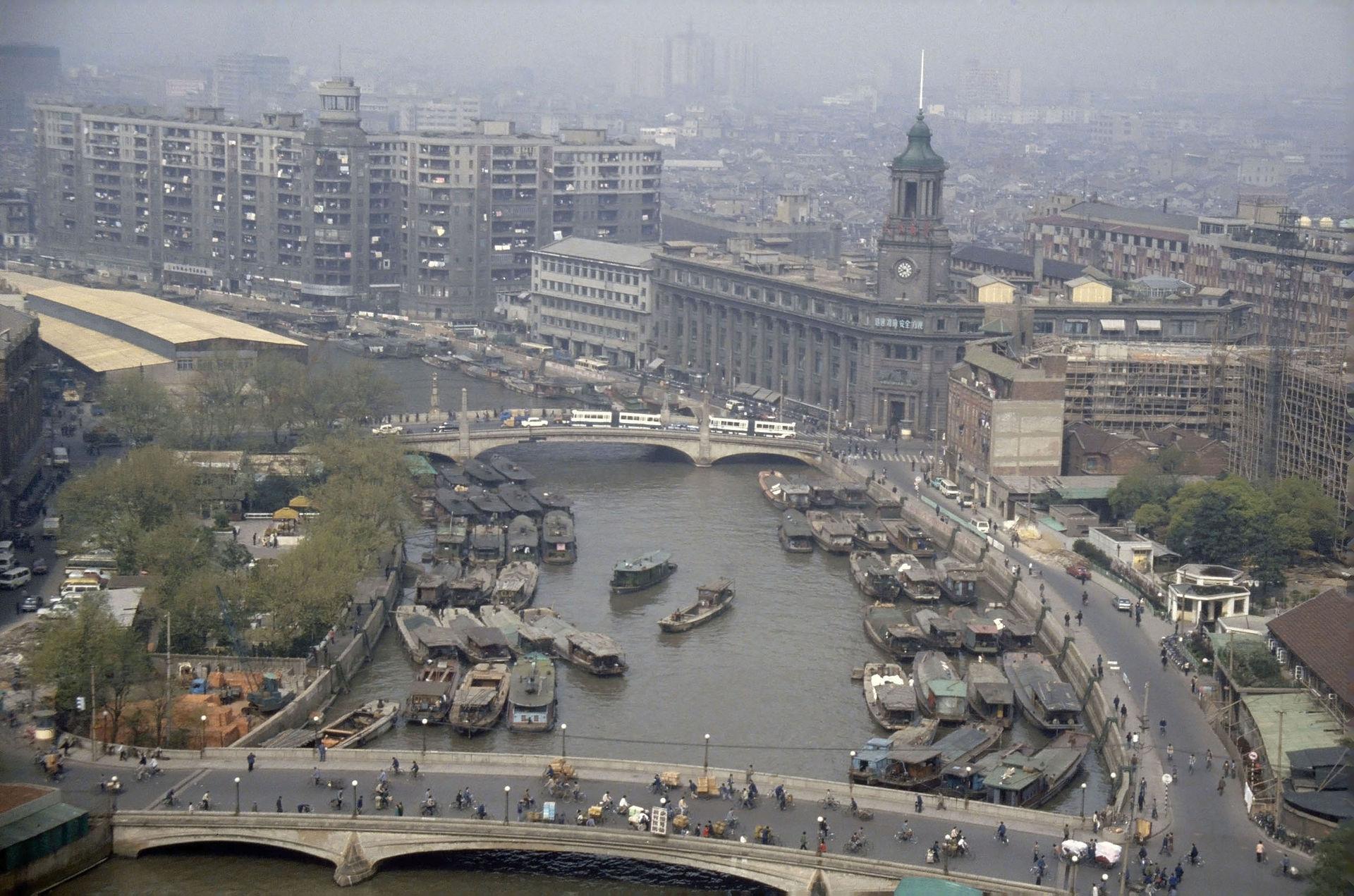 1987年,苏州河河口段水流浑浊。Till Niermann图