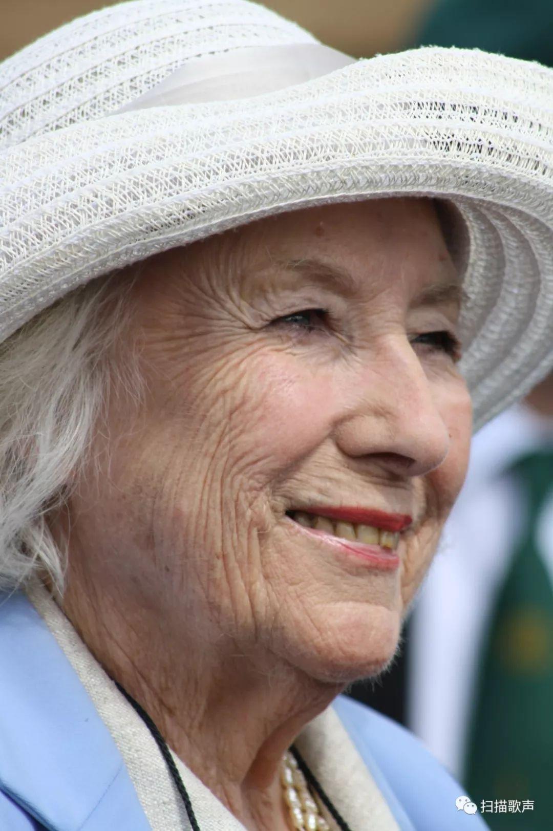 祖祖母级歌手Vera Lynn