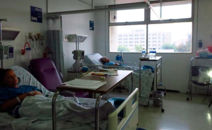新冠疫情下的地震:墨西哥医护人员选择留守