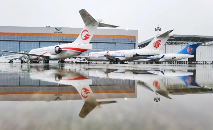 从成功首飞到交付三大航,12年来ARJ21如何劈波斩浪