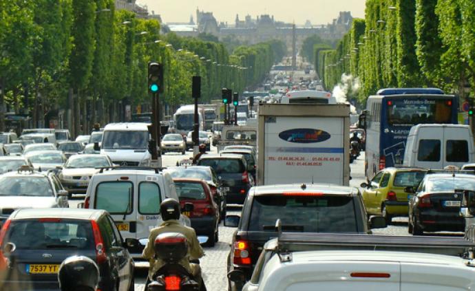全球城市观察︱限速、限行、缩减车道,巴黎试图改造环城大道