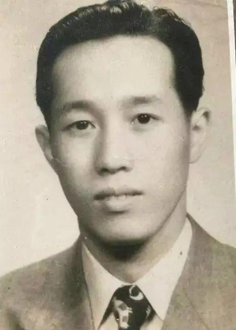郑德仁先生青年时期