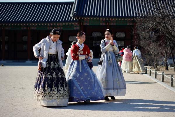 孩子跟谁姓?韩国的冠姓权之争(图1)