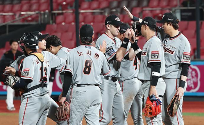 为防控新冠疫情,韩国棒球赛禁止观众喝彩