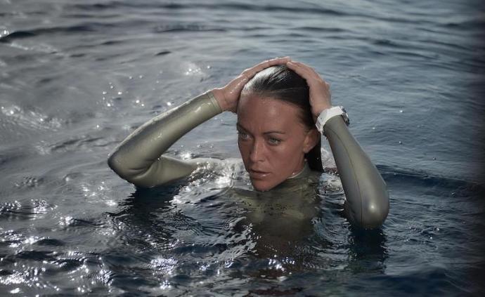 戴上这些美又飒的潜水表,你也是乘风破浪的姐姐