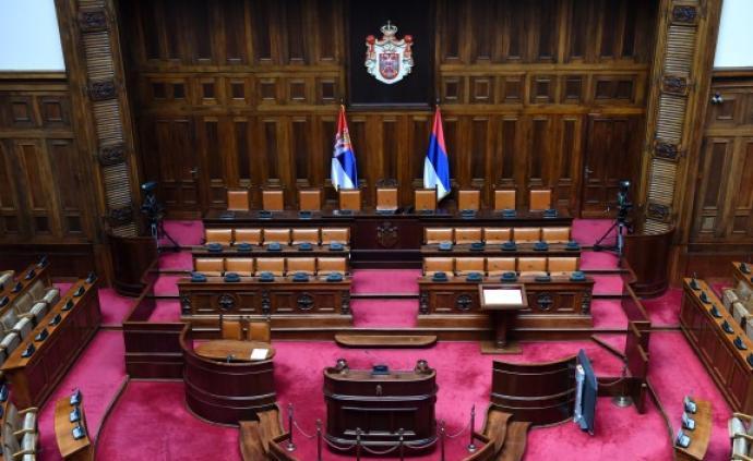 塞尔维亚议会选举结果出炉:总统武契奇所在党的得票率超六成
