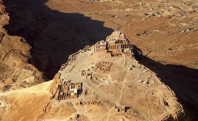 八十本书环游地球︱以色列/巴勒斯坦:《新约全书》