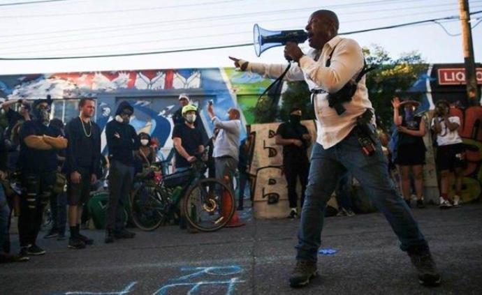 黑命攸关丨捍卫自治:西雅图国会山自治区推动了黑人运动