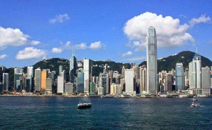 人民日报评论员:遏制外部势力干预香港事务的法律利剑