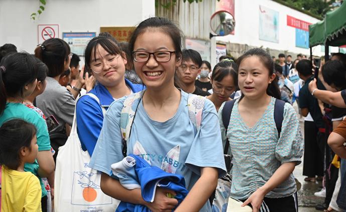 2020高考|安徽歙縣補考語文數學,考生含笑走出考場