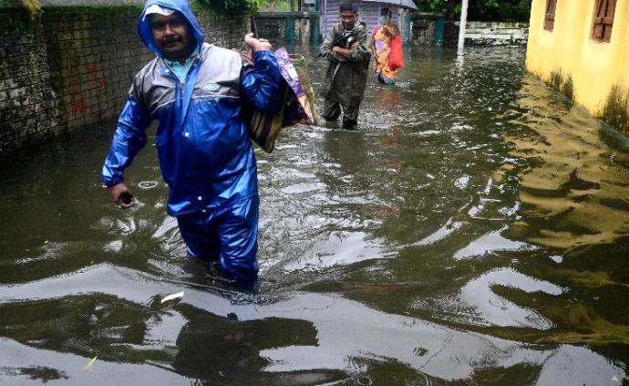 印度阿萨姆邦洪水泛滥,已致60万人受灾42人死亡