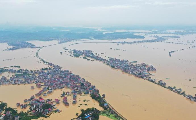 江西洪涝灾害已致550万人受灾,万余间房屋倒塌或损坏