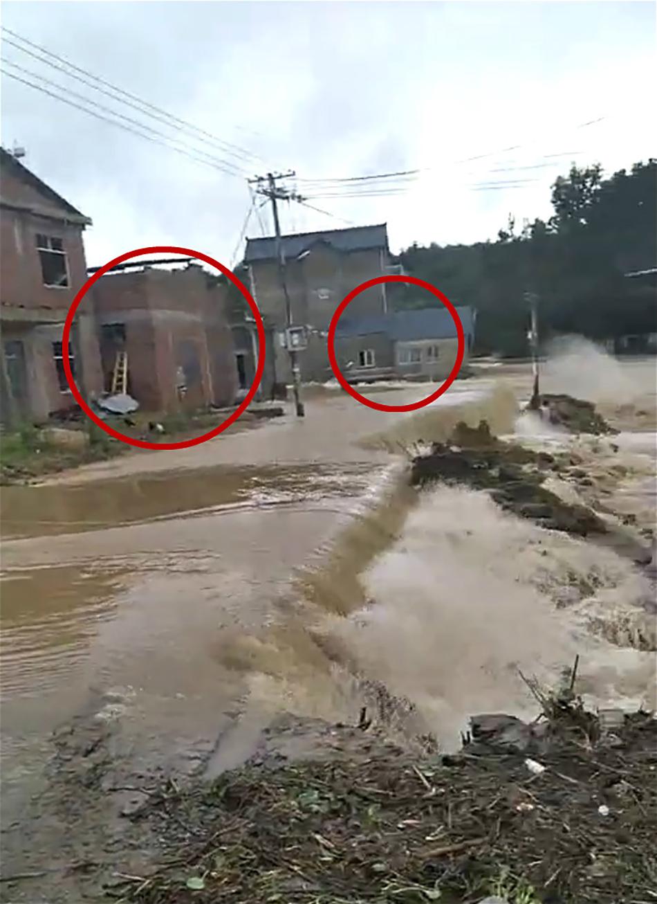 源公村决堤前的景象,图中红圈内即为被水冲走的房子