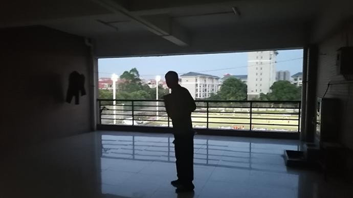 东莞图书馆读者吴桂春的54年与9天