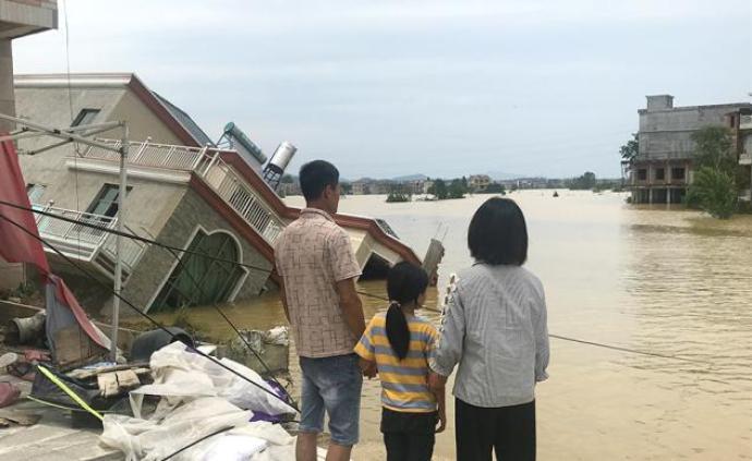 人在洪水圍困時:鄱陽油墩街鎮決堤96小時
